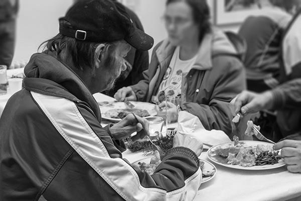 Essen mit Musik für Obdachlose, Foto: Anatoliy Stepanko